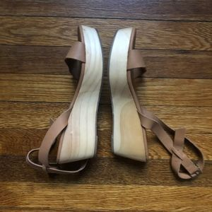 Nisolo Shoes - Nisolo Sarita Wedge Sandal Tan